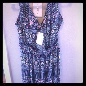 Chiffon Cute dress, main color is dark navy blue